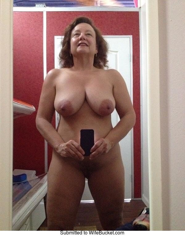 Naked milf mirror pictures