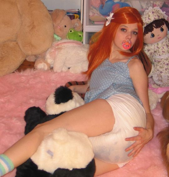 Pictures of girls in poopy diapers