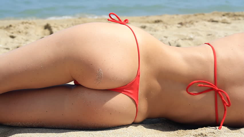 Videos of sexy girls in thongs